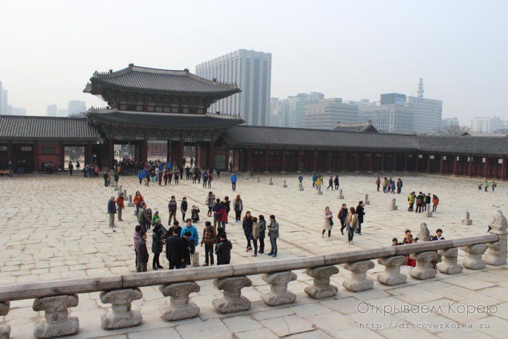 IКёнбоккун-дворецовая площадь