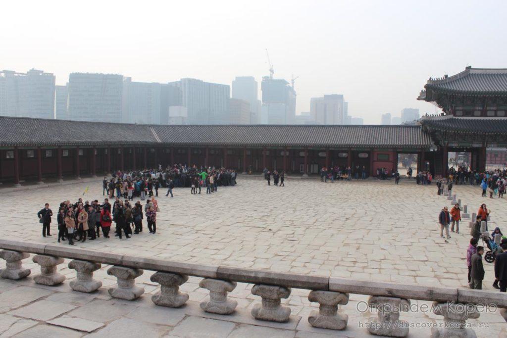 Кёнбоккун-дворецовая площадь1