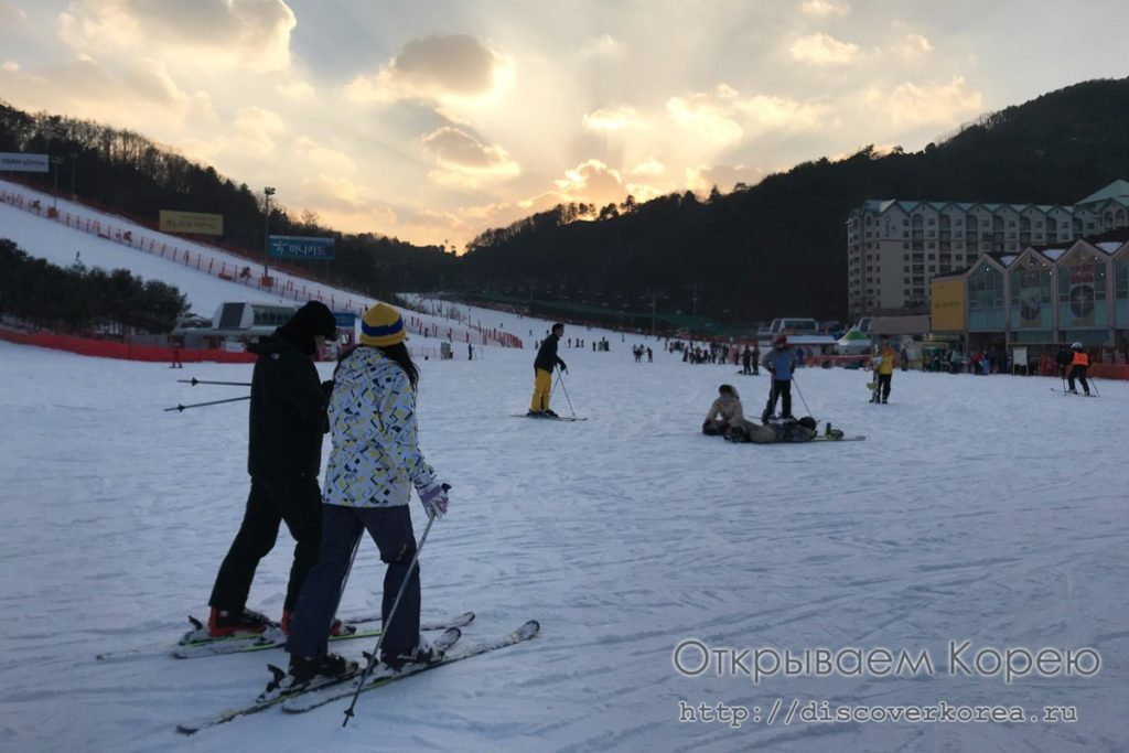 горные лыжи в Корее - закат